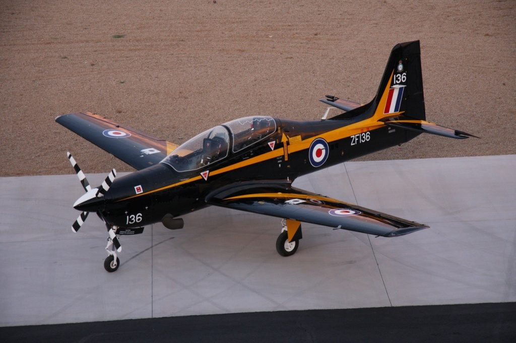 Shorts Tucano Training Plane